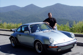 Jim was well known for his beautiful blue '77 930 Turbo.